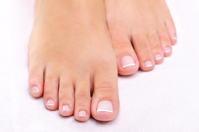 浮き指、外反母趾、腰痛、むくみ...その原因は足指の力にあり!?/足指力を鍛える(1)
