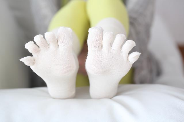 「足が痛いから大きな靴をはく」はOK?「足の悩み」Q&A