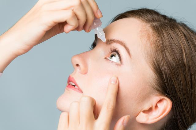 「単純ヘルペス」には角膜ヘルペス、性器ヘルペスなどがあります/帯状疱疹