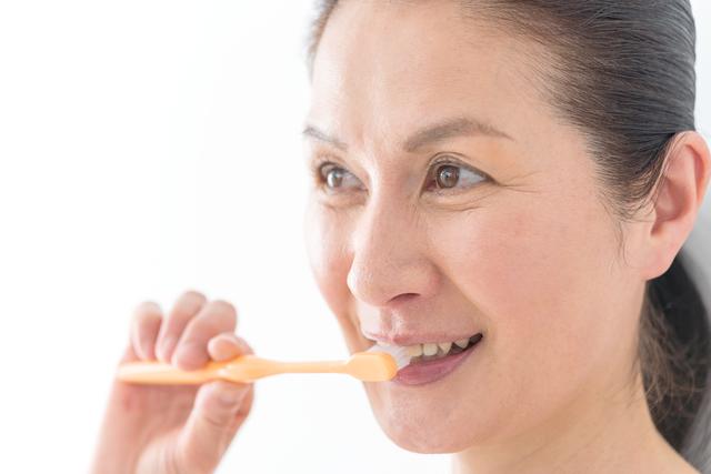 え?歯磨きも関係あるの?「長引く咳」を予防する4つの習慣