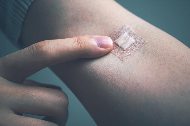 体を守る細胞が減っていく...「エイズ」治療は早期検査がカギ/やさしい家庭の医学