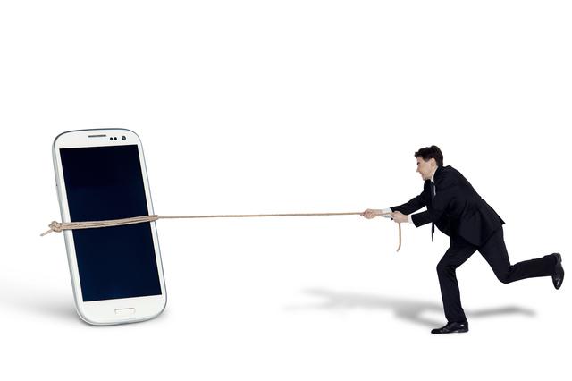 「スマートフォン奴隷」になりやすいのはこんなタイプ/鎌田實「だまされない」