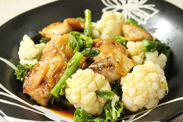春の緑黄色野菜「菜の花」を、照り焼き風味でおいしく!「たっぷり野菜の鶏照り焼き」