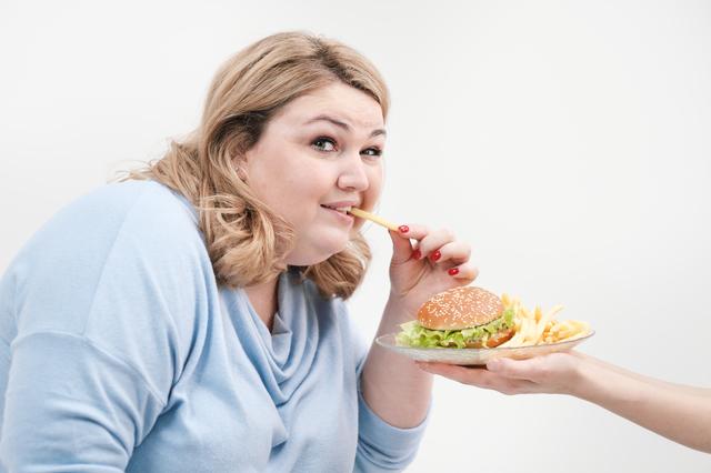 研究で判明!?「太っている人はこってり味が好き」は本当か