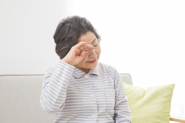 眠れない...と悩まない。年をとると夜間の睡眠時間は短くなると知るべし/眠りの新常識