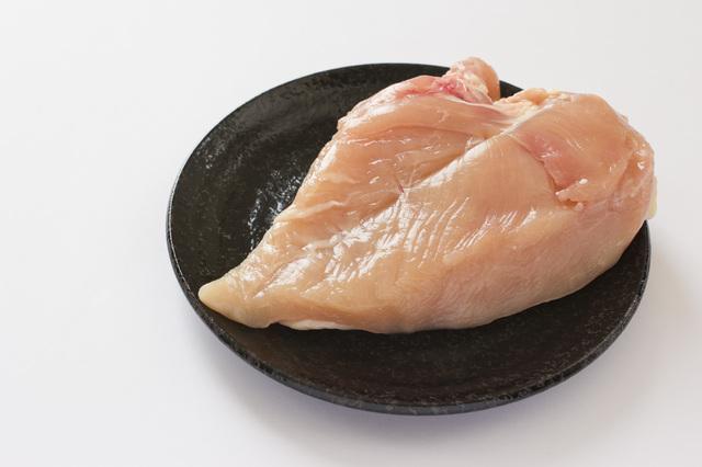 「鶏むね肉」は疲労回復に効果的。朝食に食べると疲労予防にも/若返り健康法