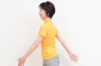 正しい歩き方がポイントです。ウォーキングで、善玉コレステロールを増やす!