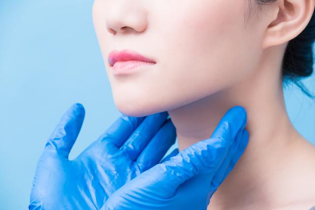 成人女性の10人に1人が発症。更年期の症状に似た「甲状腺の病気」基礎知識