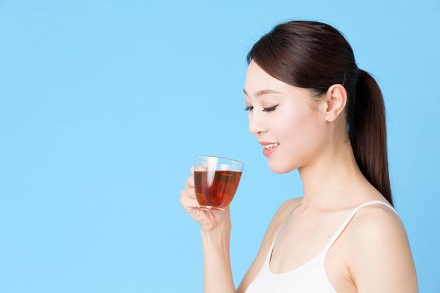 薬を飲まずに血圧を下げられる! 杜仲茶、ギャバ茶など降圧ドリンク4種