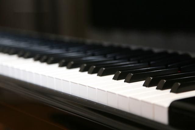 「ありのままでいい」。発達障害のピアニストが、否定と諦めの日々を抜け出した「気づき」とは