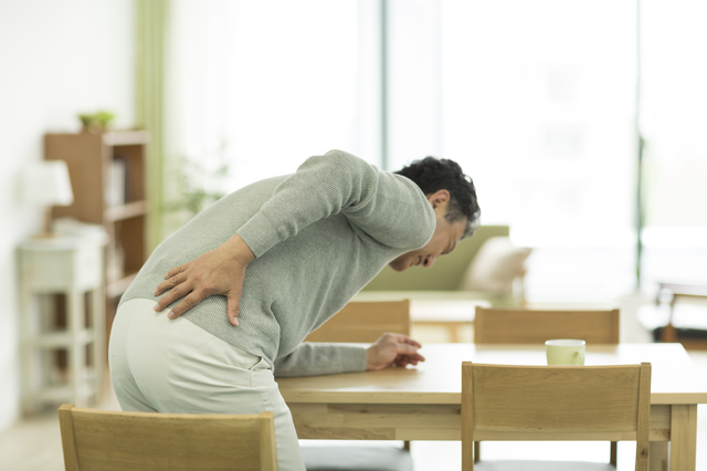 腰痛改善のカギは骨盤にある関節にあり!? 腰痛の原因とタイプをチェック/自分で治す腰痛