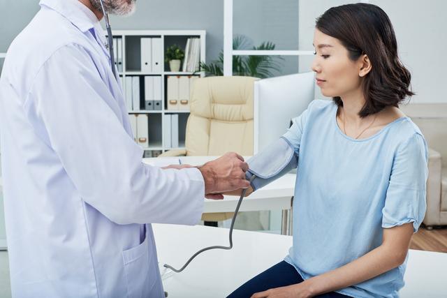 「高血圧症」と診断されたらまずは日常生活の改善を!/やさしい家庭の医学
