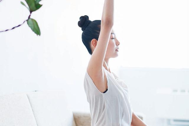 1日1回で体が整います。胸椎8番に向かって酸素を送り込む「人体力学の呼吸法」