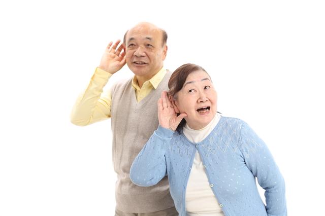 実は使用率は欧米の半分以下!知っておきたい「補聴器」の基礎知識