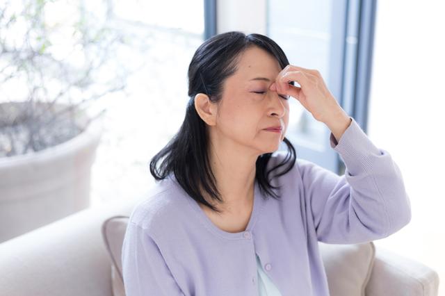 放置してはだめ! 老眼にまつわる目の症状/老眼