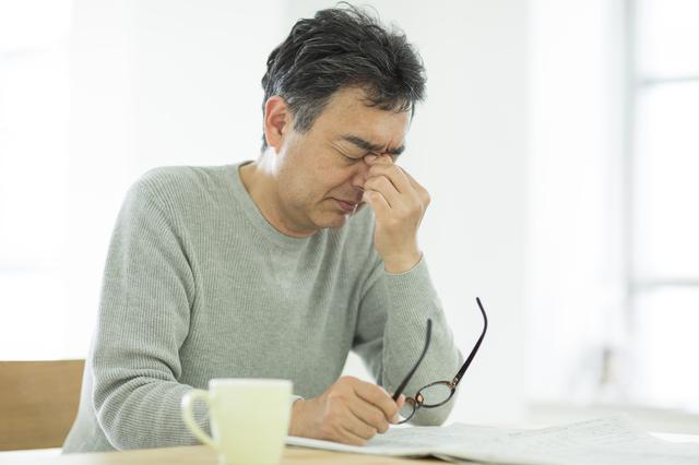 急性副鼻腔炎になって目の痛みや顔面痛があるときは、重篤な症状のサインかも。すぐに病院へ/副鼻腔炎
