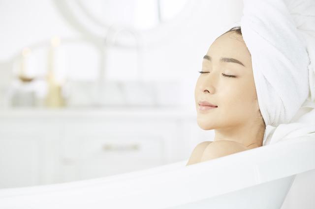 お風呂ぐらいスマホはやめません? 今どきの疲労回復に欠かせない「デジタルデトックス」