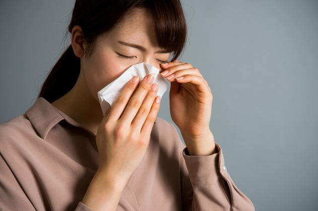 鼻づまりが治らない、黄色や緑色の鼻水が出る。それ、副鼻腔炎の症状かも/副鼻腔炎