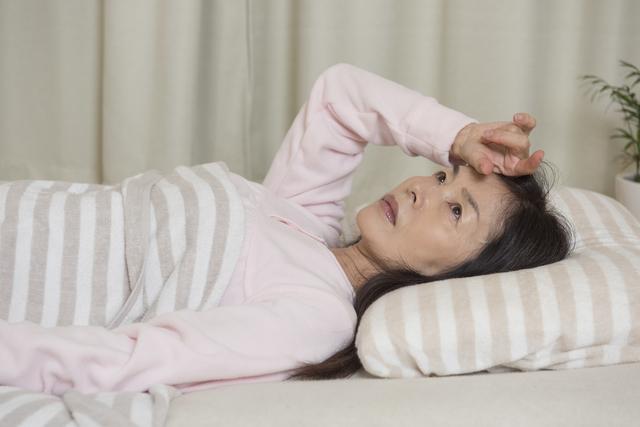 50代の女性は早く寝ようとしても寝られない。男女の睡眠リズムの違いを理解しよう/眠りの新常識