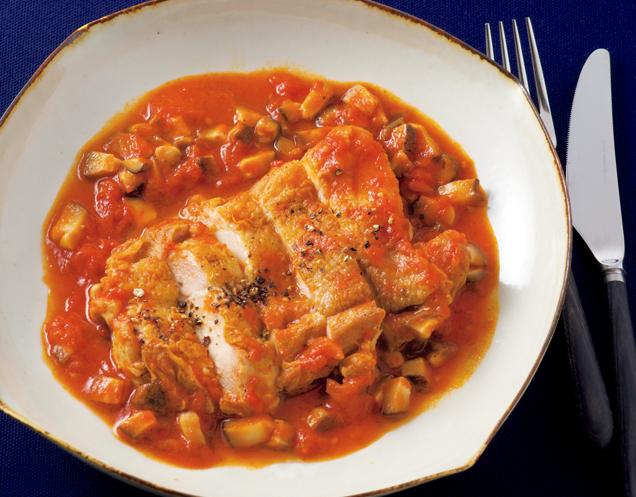 旨味素材を組み合わせて深い味わい「とり肉の昆布トマト煮込み」/塩なしレシピ