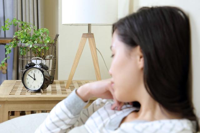 成人の約5人に1人が不眠!? 眠りたいなら目が冴える時間帯を避けるべし/眠りの新常識