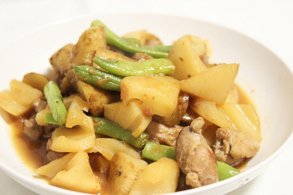 風邪をひきやすい季節にぴったり!「根菜と鶏肉の梅煮」レシピ