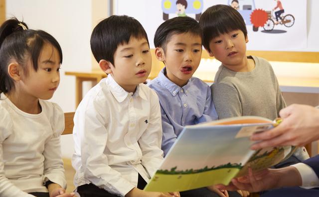 「あいうえおの歌」覚えられる? 認知機能に働きかける「絵本読み聞かせプログラム」の練習にチャレンジ