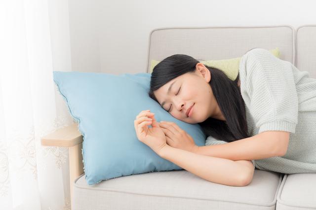 昼寝は睡眠不足解消に効く! 上手な午睡で心身の健康を維持しよう/眠りの新常識