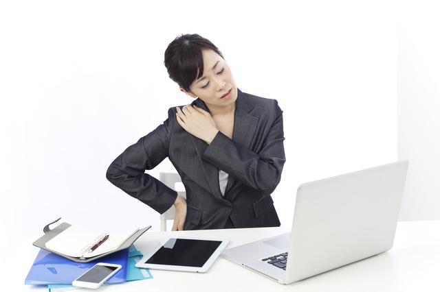 肩こりと腰痛の原因は医者でも分からない?解決策は「座る姿勢」の見直しにあった