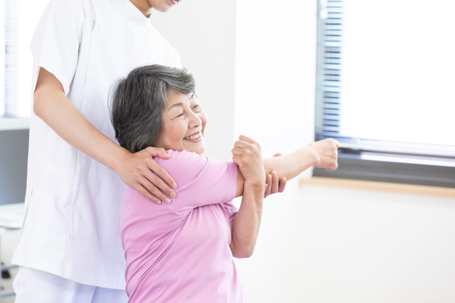 うっ、腕が上がらない・・・これって老化!? 日常動作がスムーズになる「機能的なカラダづくり」のススメ