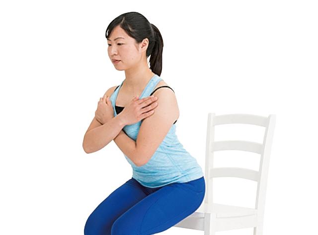 「いす座り立ち」で無理なく貯筋運動!/筋肉貯金