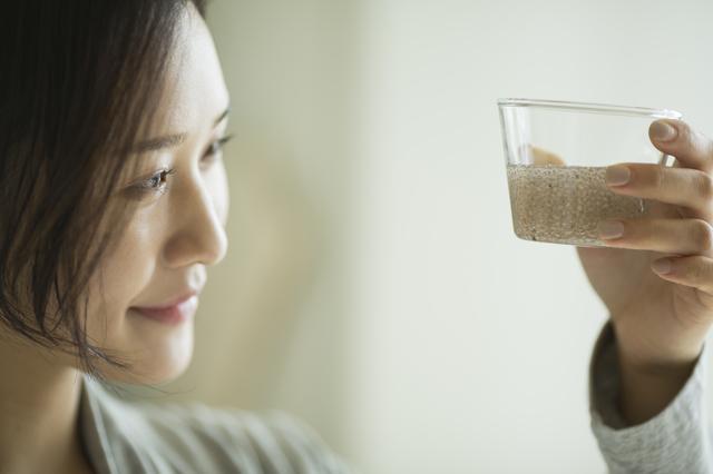 「強い不安感」があるときに...。漢方カウンセラーが勧める「心を落ち着かせる食薬」とは?