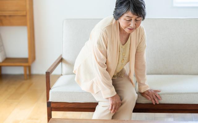坐骨神経痛の痛みを軽減する、正しい「座り方」「立ち方」とは/坐骨神経痛