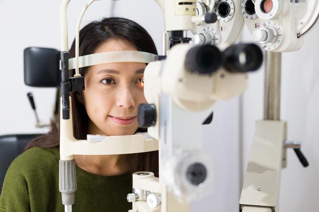 失明原因となる緑内障。予防には「視野検査」が必要です/健康診断