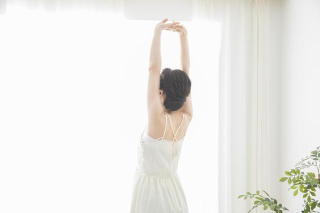 姿勢や生活の工夫で約9割が改善! 腰椎椎間板ヘルニアの人が日常生活で注意すべきこと/坐骨神経痛