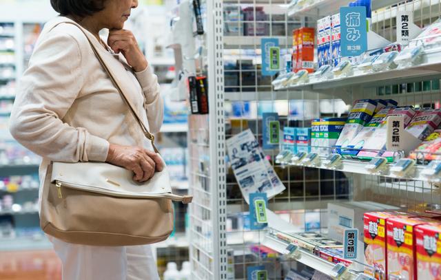 痛みを取るために何でもいいから薬を飲むのはNG。正しい薬剤選びが重要です/坐骨神経痛