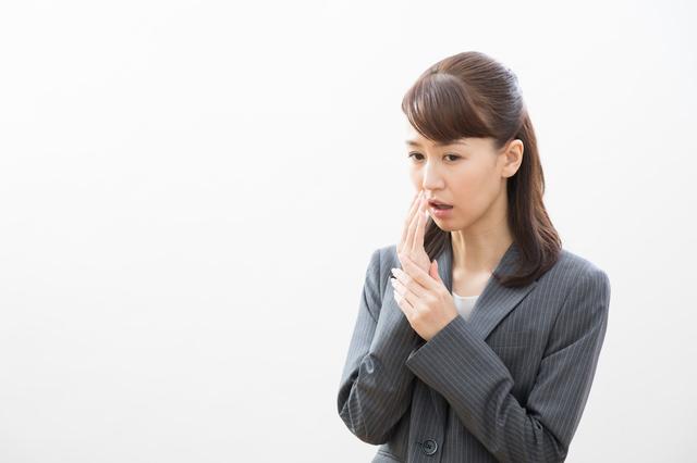ご存じですか? 口臭の約6割は「舌にこびりついた汚れ」の臭いなんです