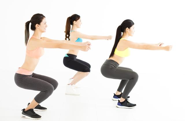 スクワットで下肢の筋肉を強化。転倒を防止して骨折予防/圧迫骨折