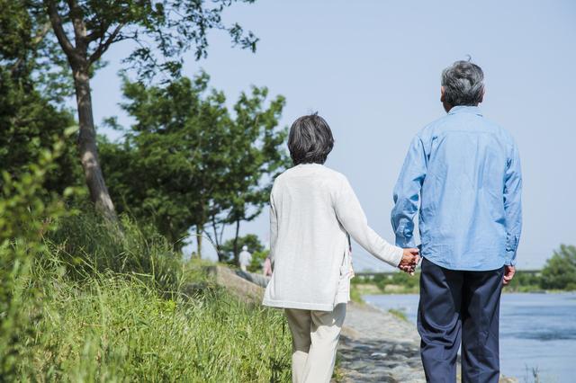 「加齢性難聴」は治療すべき?難聴の予防方法は?ストレスは難聴の原因になる?難聴Q&A/難聴・めまい