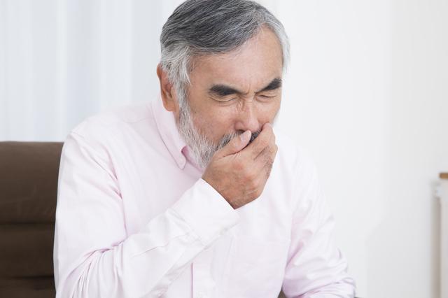 胃に入った食べ物が逆流するのはなぜ? 逆流性食道炎のしくみ