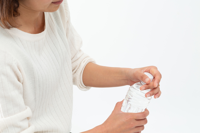 起床して手足の指はちゃんと動く?「リウマチ」初期症状セルフチェック