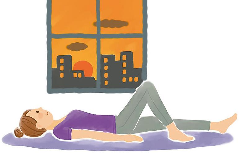 脚がしっかり上がる!つまずきを予防する! 脚の伸縮ストレッチ/前新マミのゆるっとリンパ体操
