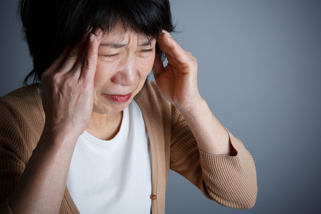 ズキン、ズキン...月1、2回激しい頭痛に襲われます。これって病気?/高谷典秀先生「なんでも健康相談」