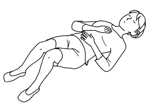 体のこわばりを緩めましょう。ひざ痛解消のために覚えたい「胸腹式呼吸」のやり方
