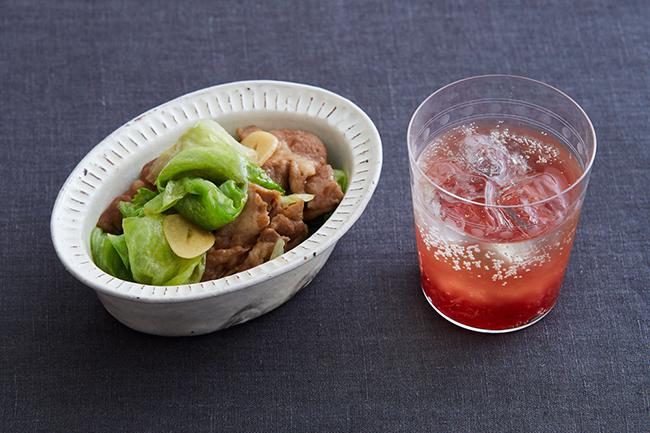 お肌のケアに「いちごとレタス」で乾杯!美肌作りの晩酌レシピ