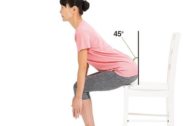 初心者におすすめ。「いすの立ち座り」を10回やるだけで疲れやすさを予防/スクワット