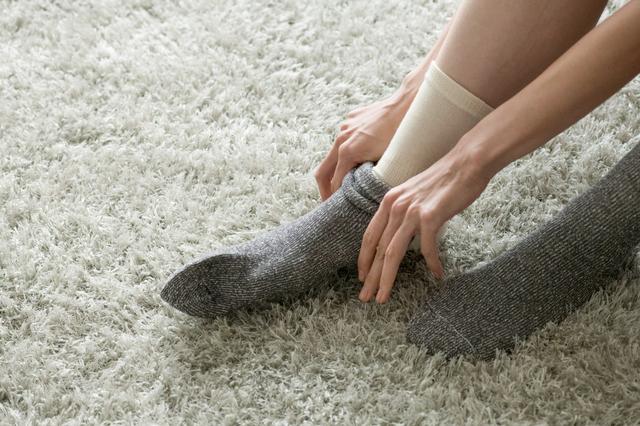 「靴下の重ねばき」「ブーツ」で冬の冷え対策・・・でも体の中の温度を下げているかも