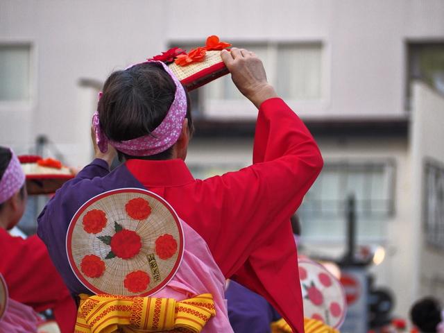 肩甲骨周辺を動かす「花笠音頭」の踊りが効果抜群! 山形県民に腰痛が少ないワケ