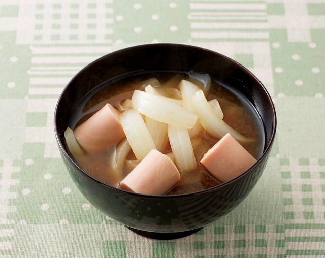 「玉ねぎとフィッシュソーセージのみそ汁」「おさかなチャーシュー」/フィッシュソーセージ(2)