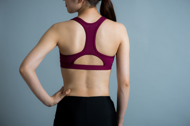 肩甲骨がポイント!血行がよく代謝も上がる「理想の後姿」